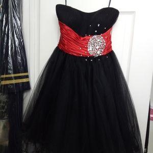 Like NEW, Neblon dress, size small, beautiful this